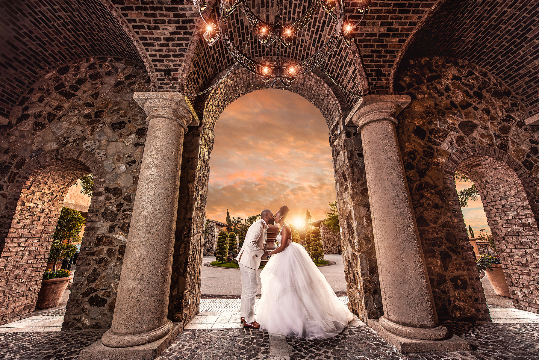 50 Wedding Photography Blogs to Promote Your Wedding Photography Services